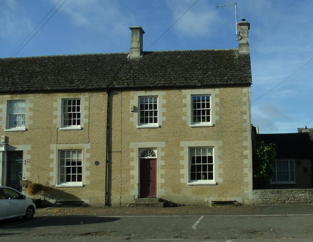 3 Bedrooms End Of Terrace House for sale in London Road, Wansford