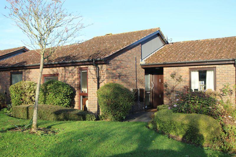1 Bedroom Bungalow for sale in Fairlop Walk, Elmbridge Village, Cranleigh