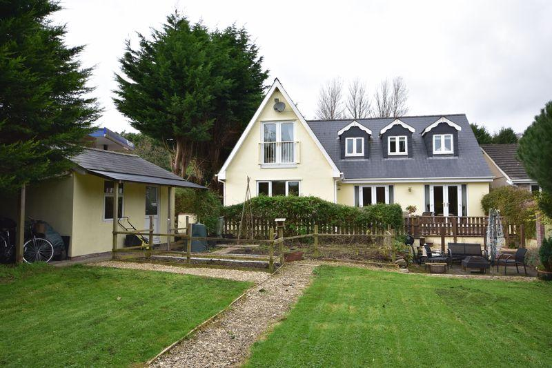 4 Bedrooms Detached House for sale in The Willows, Ystradowen, Vale of Glamorgan, CF71 7SY