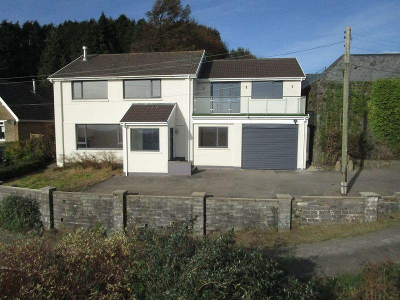 5 Bedrooms Detached House for sale in 1 Y Graig, Old Llantrisant, Pontyclun, CF72 8FB