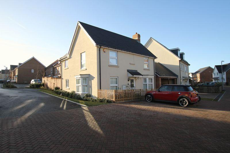 4 Bedrooms Detached House for sale in Sholden