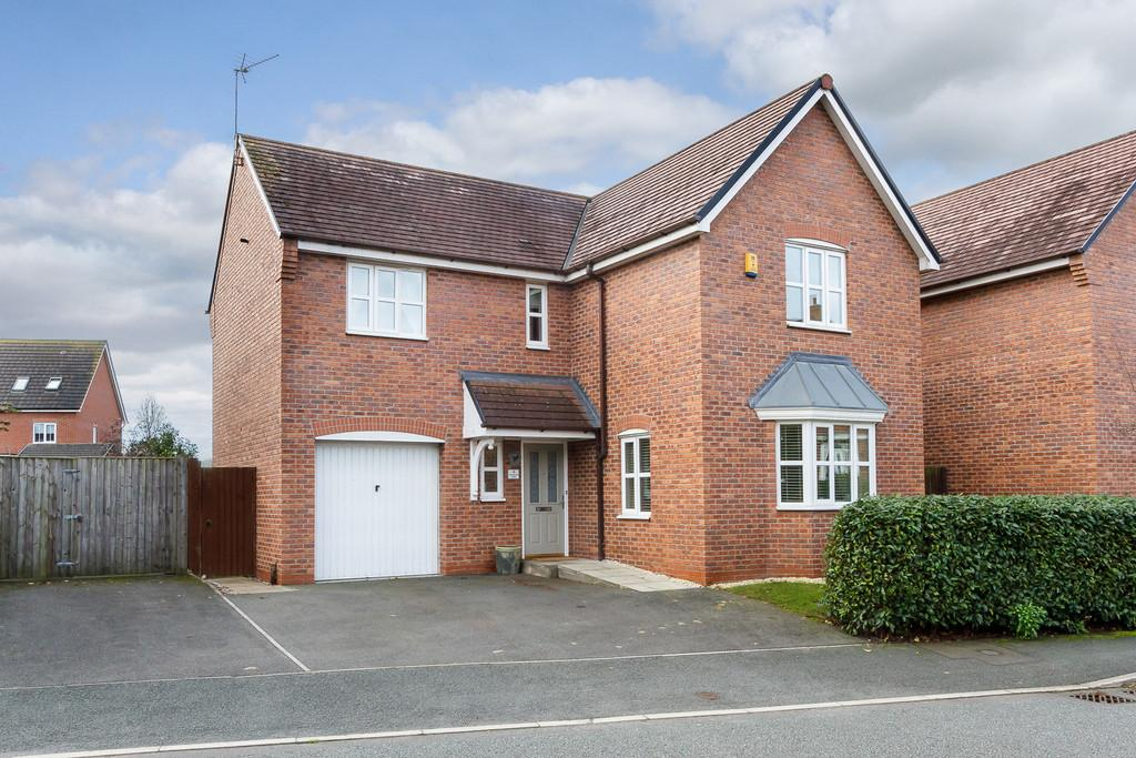 4 Bedrooms Detached House for sale in Weston, Crewe