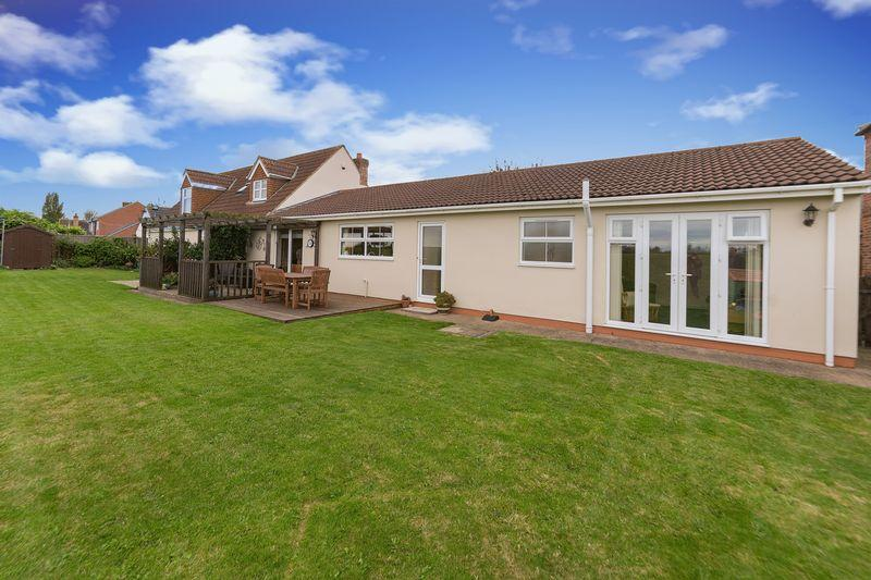 5 Bedrooms House for sale in Main Street, Gunthorpe