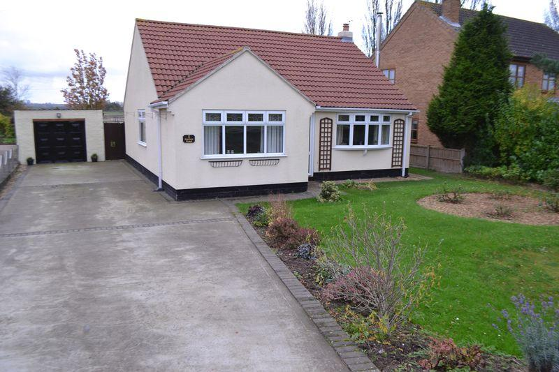 3 Bedrooms Detached Bungalow for sale in Station Road, Burringham