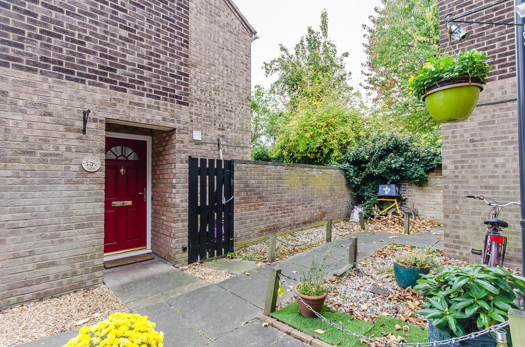 2 Bedrooms Semi Detached House for sale in Ainsworth Court, Cambridge