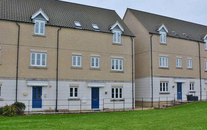 2 Bedrooms Apartment Flat for rent in Murfitt Close, Ely