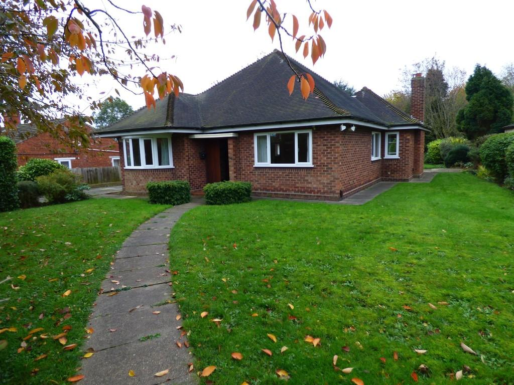3 Bedrooms Detached Bungalow for rent in St. Giles Avenue, Grimsby