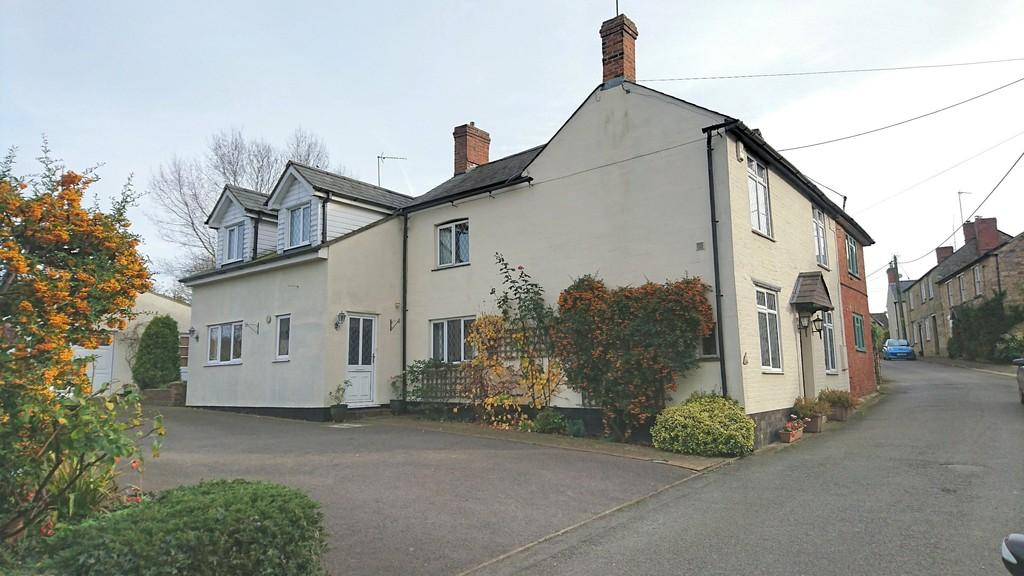 4 Bedrooms Cottage House for sale in Bell Lane, Syresham