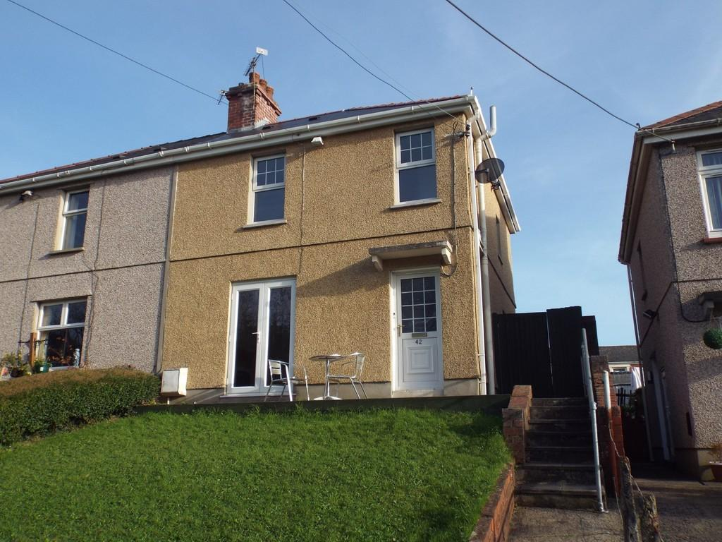 3 Bedrooms Semi Detached House for sale in Parc y Mynach, Pontyberem