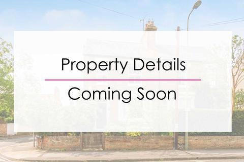3 bedroom flat to rent - Cowley Road, East Oxford
