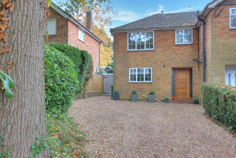3 Bedrooms Semi Detached House for sale in Brownhill Road, Chandlers Ford