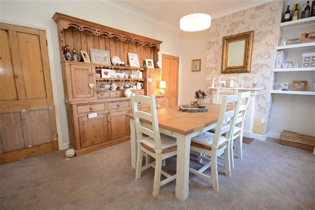 3 Bedrooms End Of Terrace House for sale in Hogg Lane, Radcliffe-on-trent