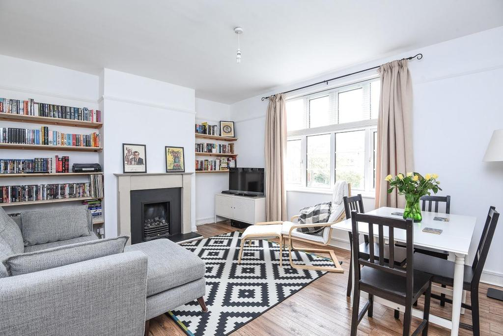 1 Bedroom Flat for sale in Muswell Avenue, Muswell Hill