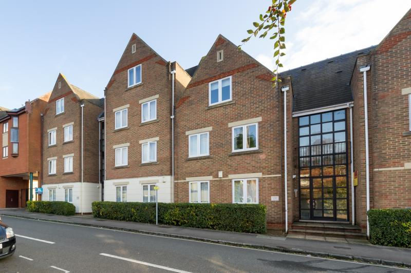 2 Bedrooms Apartment Flat for sale in Standon Court, 1 New High Street, Oxford, Oxfordshire