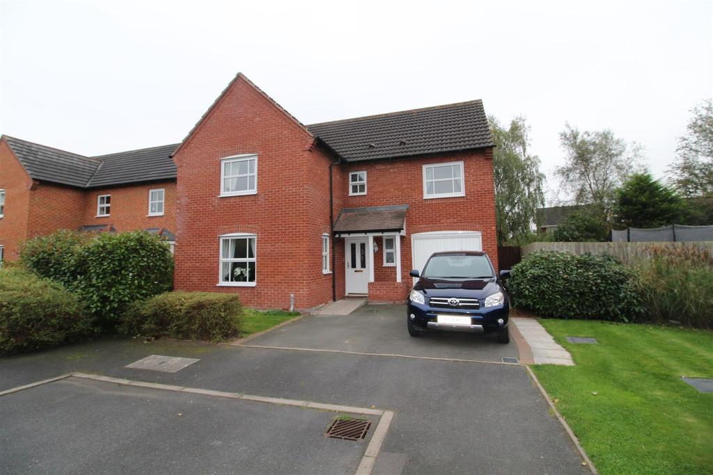 4 Bedrooms Detached House for sale in Guttery Close, Wem