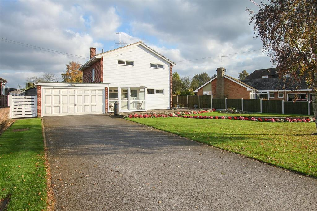 3 Bedrooms Detached House for sale in Nine Ashes Road, Stondon Massey, Brentwood