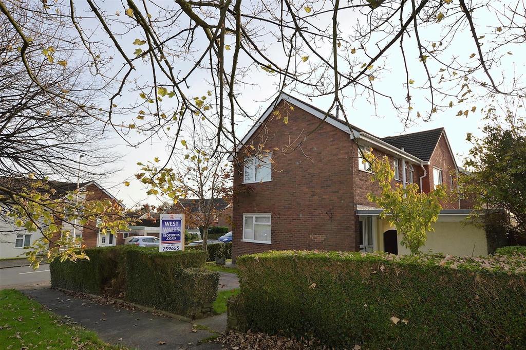 3 Bedrooms Semi Detached House for sale in Trostre Road, Llanelli