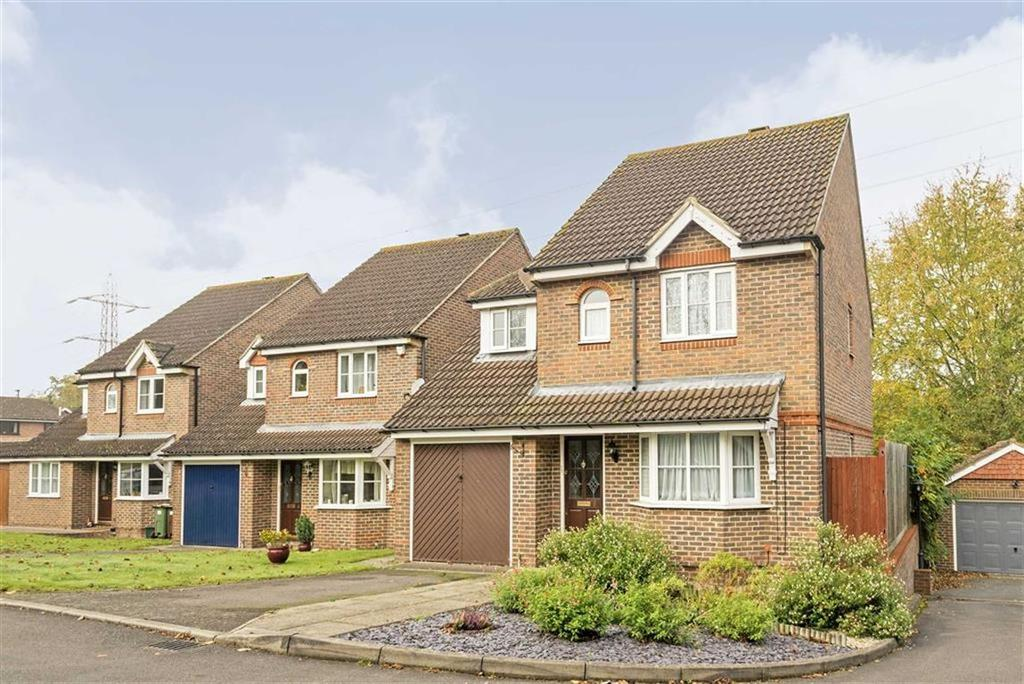 3 Bedrooms Detached House for sale in Woodland Walk, West Ewell, Surrey
