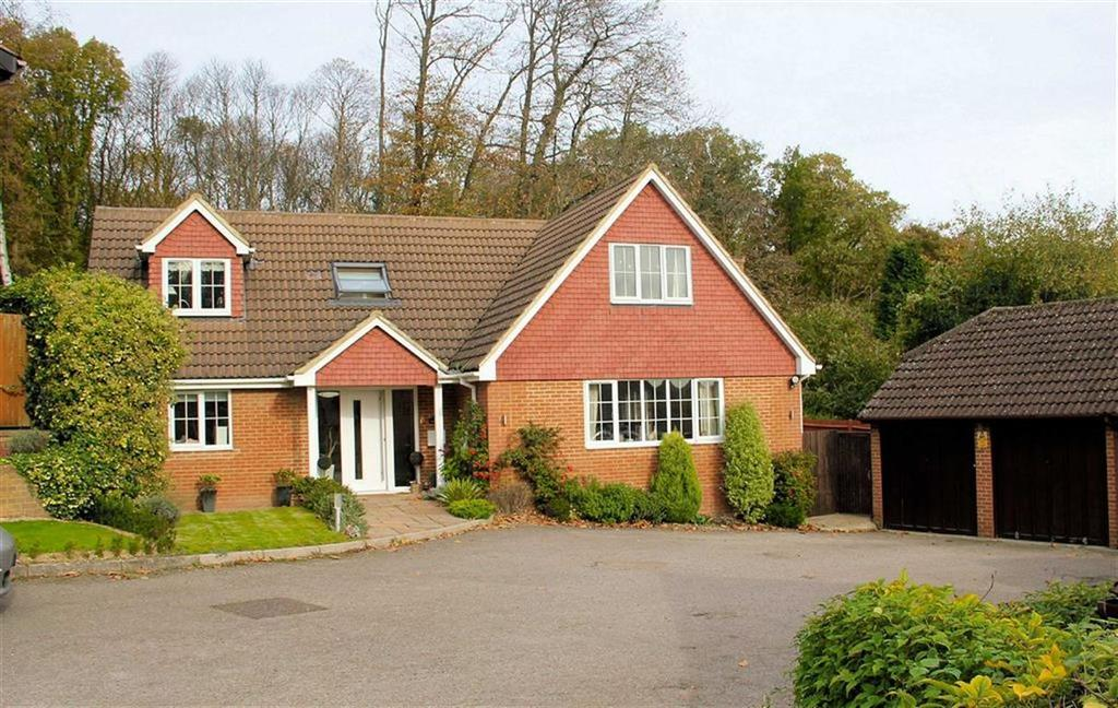 4 Bedrooms Detached House for sale in Pine Crest, Oaklands, Welwyn AL6 0EQ