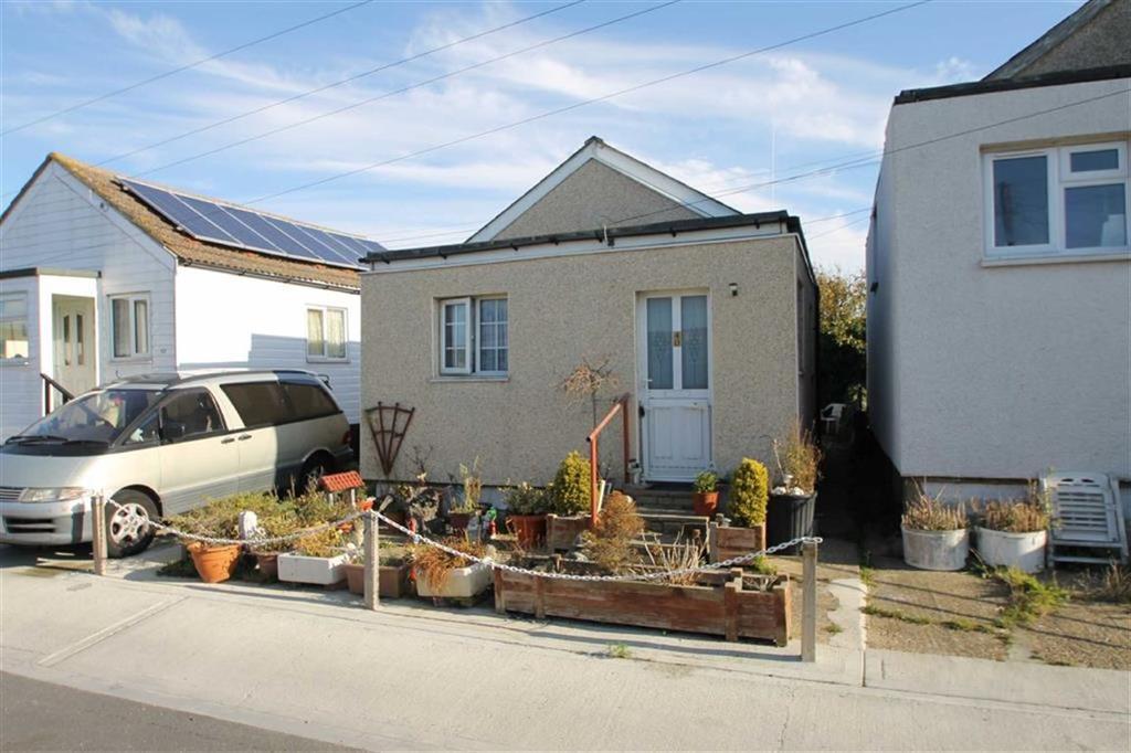2 Bedrooms Detached Bungalow for sale in Bentley Avenue, Jaywick