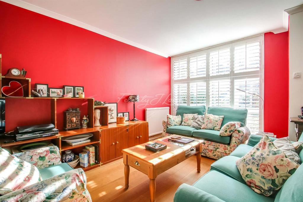 3 Bedrooms Terraced House for sale in Belmont Park, SE13