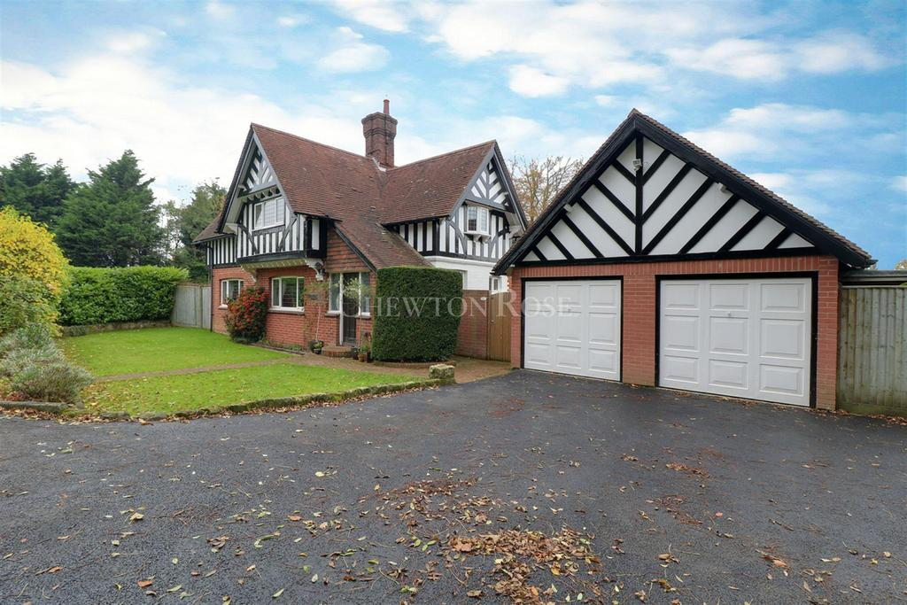 5 Bedrooms Detached House for sale in Argos Hill, Rotherfield, East Sussex. TN6