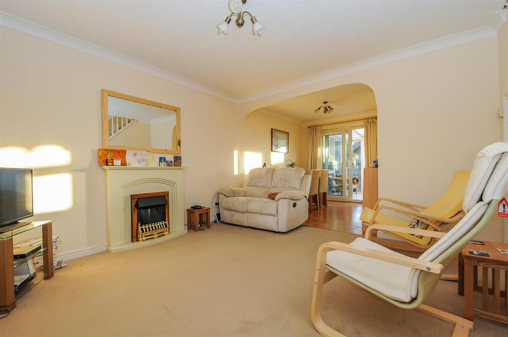 2 Bedrooms Terraced House for sale in The Millers, Yapton
