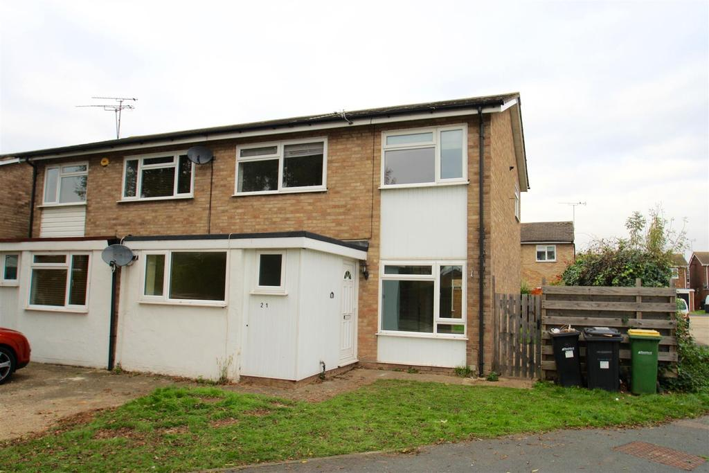 3 Bedrooms Semi Detached House for sale in Devon Gardens, Rochford