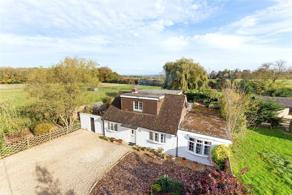 3 Bedrooms Detached Bungalow for sale in Brawlings Lane, Chalfont St. Peter, Gerrards Cross, Buckinghamshire, SL9