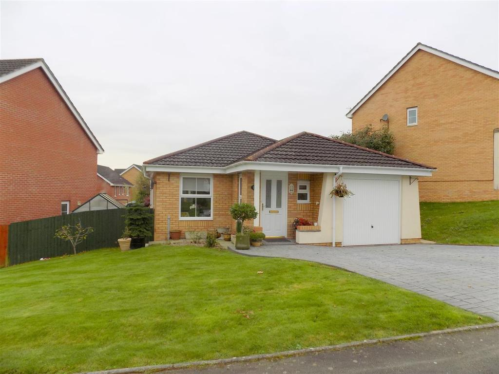 2 Bedrooms Detached Bungalow for sale in Crymlyn Gardens, Neath