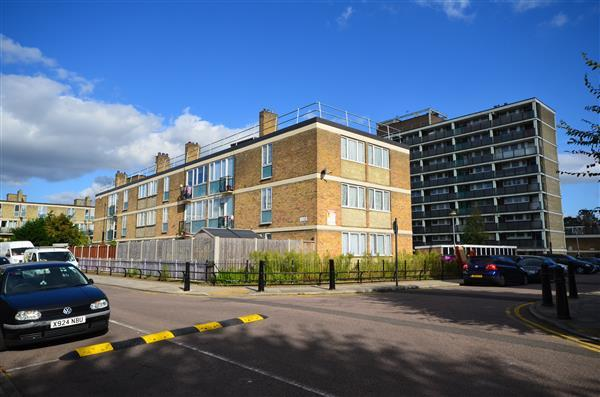 4 Bedrooms Apartment Flat for sale in Le Moal House, Stepney