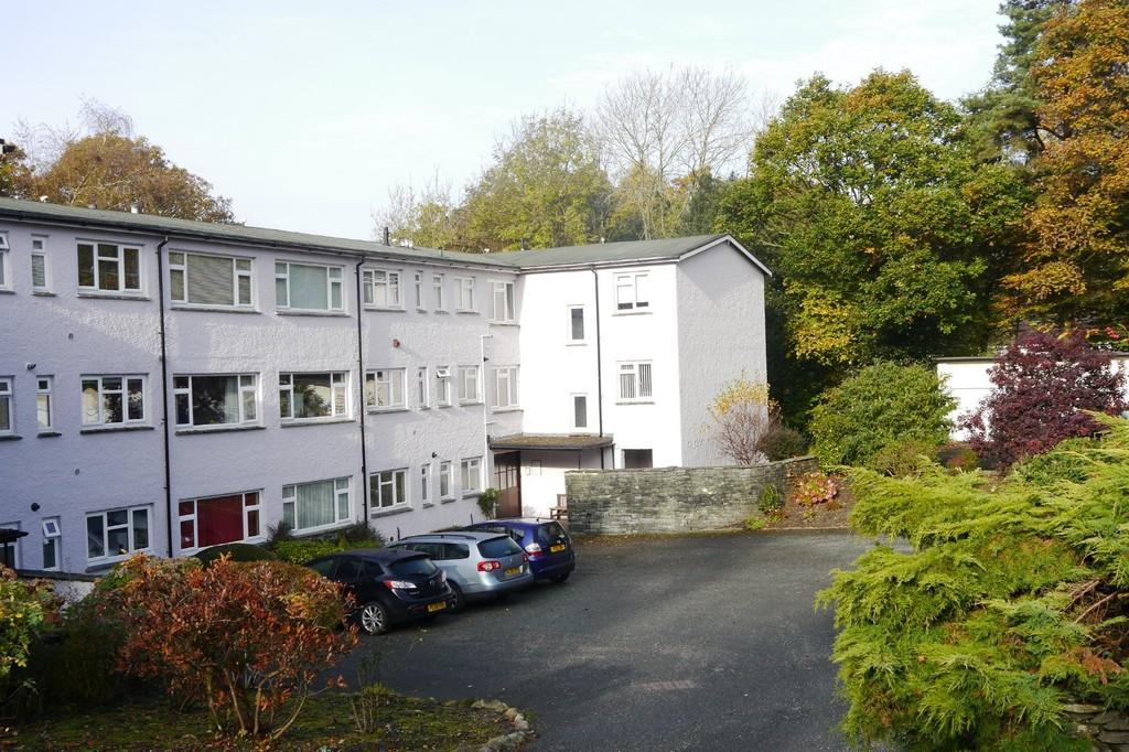 2 Bedrooms Apartment Flat for sale in 10 Mylnbeck Court, Bowness-on-Windermere, LA23 2JE