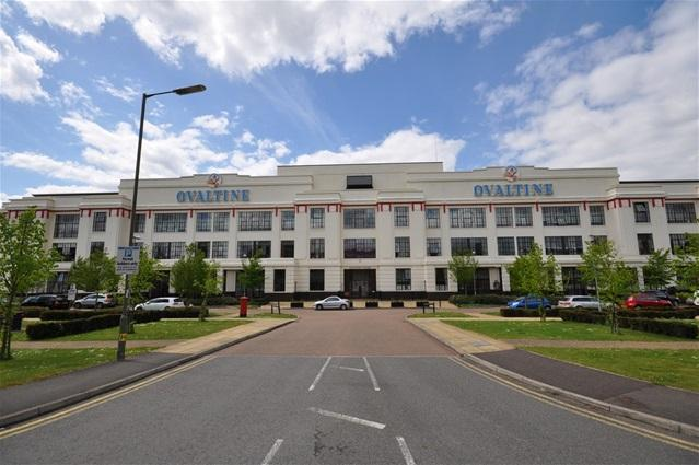 3 Bedrooms Flat for sale in Ovaltine Court, Kings Langley