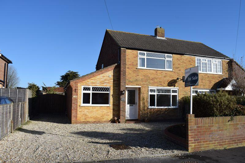 3 Bedrooms Semi Detached House for sale in Nicholas Road, Southampton