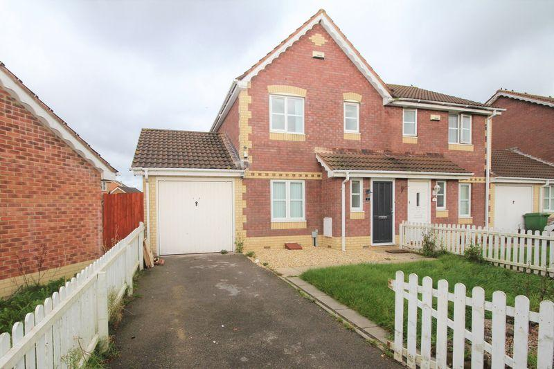 3 Bedrooms Semi Detached House for sale in Ireland Close, Cardiff