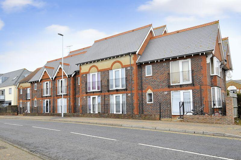 2 Bedrooms Flat for sale in Little High Street, Worthing