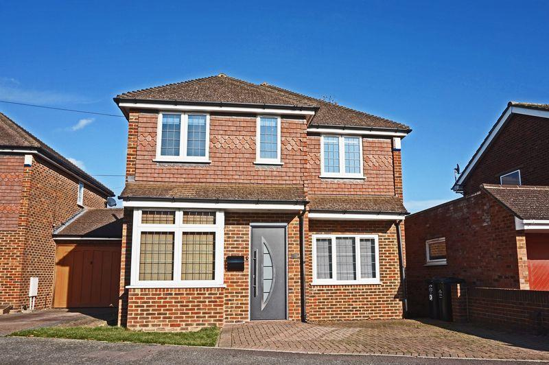 4 Bedrooms Detached House for sale in Faesten Way, Bexley