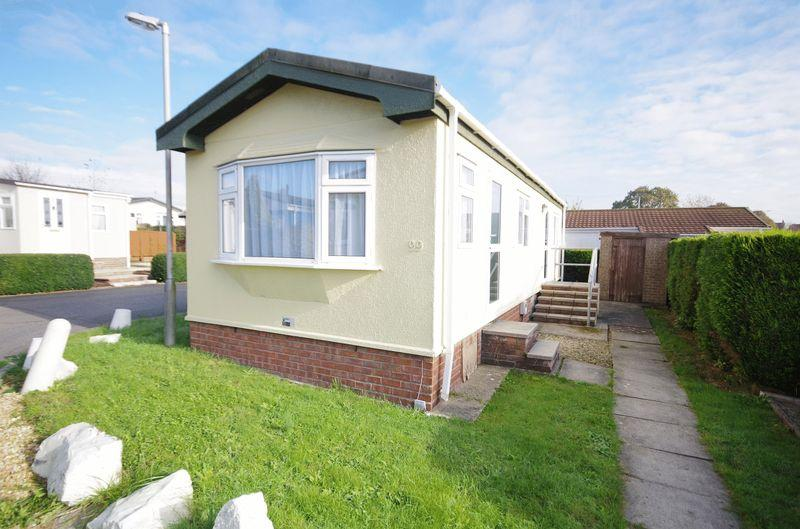 2 Bedrooms Detached House for sale in Woodlands Park, Bradley Stoke, Bristol