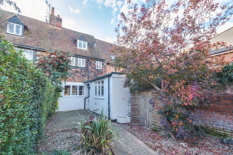 3 Bedrooms Terraced House for sale in Canterbury
