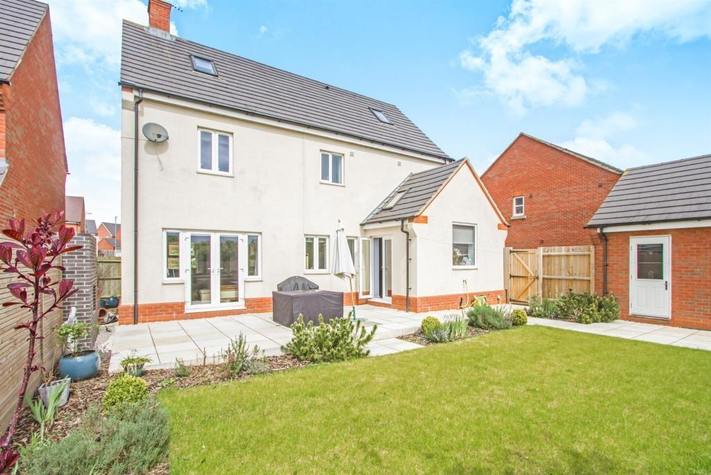 5 Bedrooms Detached House for sale in Masefield Place, Earl Shilton