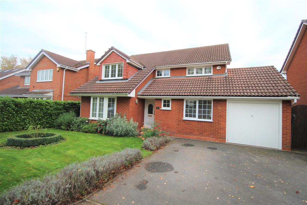 4 Bedrooms Detached House for sale in Gingells Farm Road, Charvil, Reading