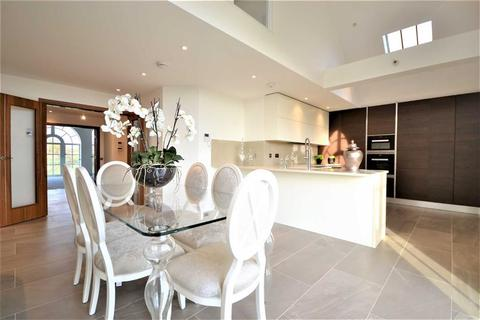 3 bedroom penthouse for sale - Antlia Court, Hadley Road, Enfield, Middlesex
