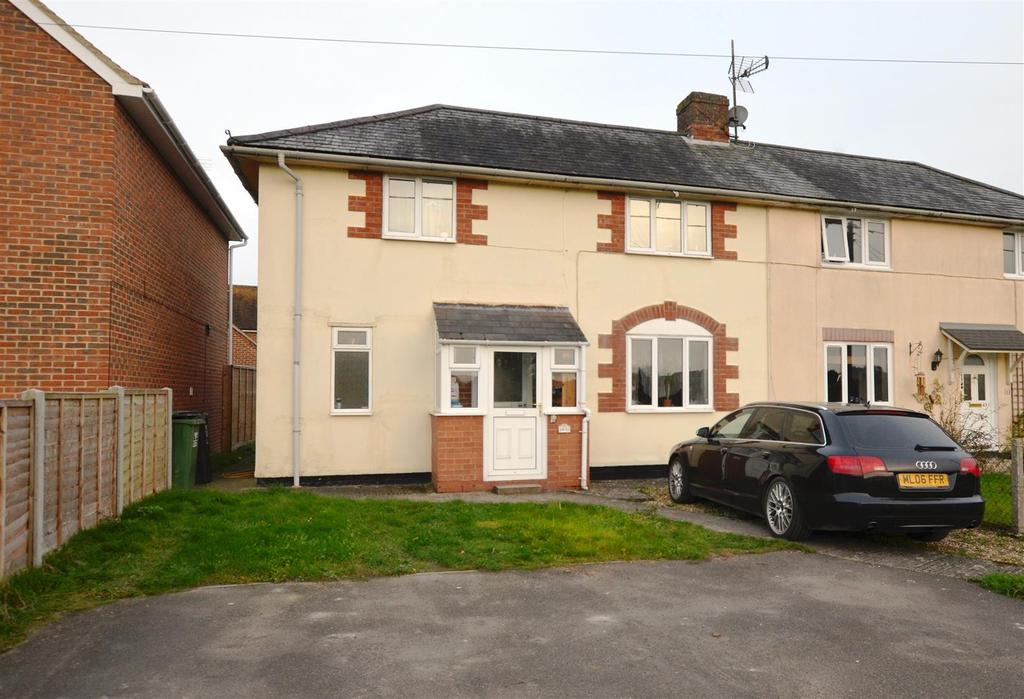 3 Bedrooms Semi Detached House for sale in Eastcourt Road, Marlborough