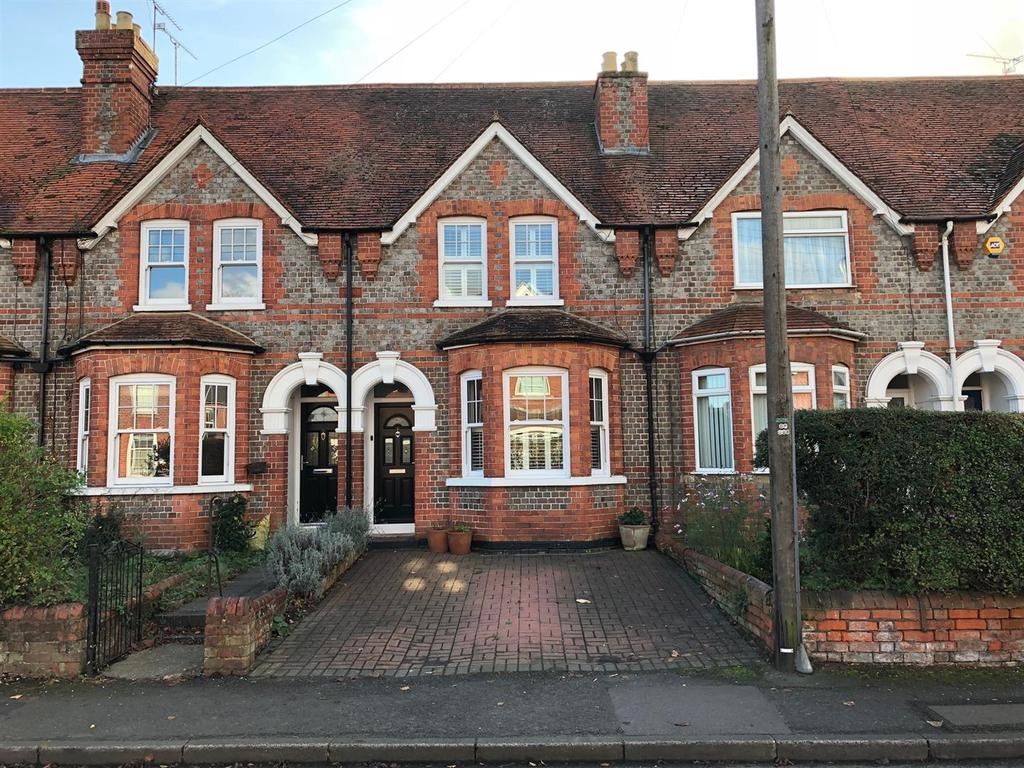3 Bedrooms Terraced House for sale in Reading Road, Pangbourne, Pangbourne