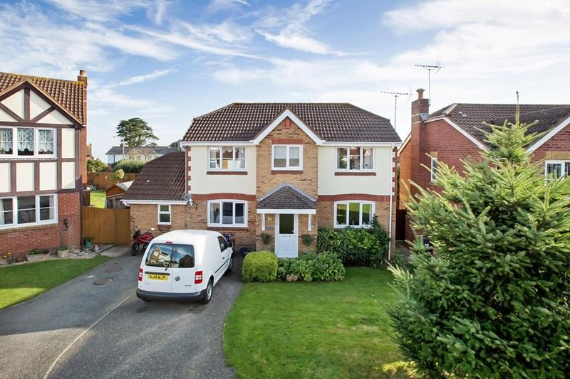 4 Bedrooms Detached House for sale in Chantry Close, Teignmouth