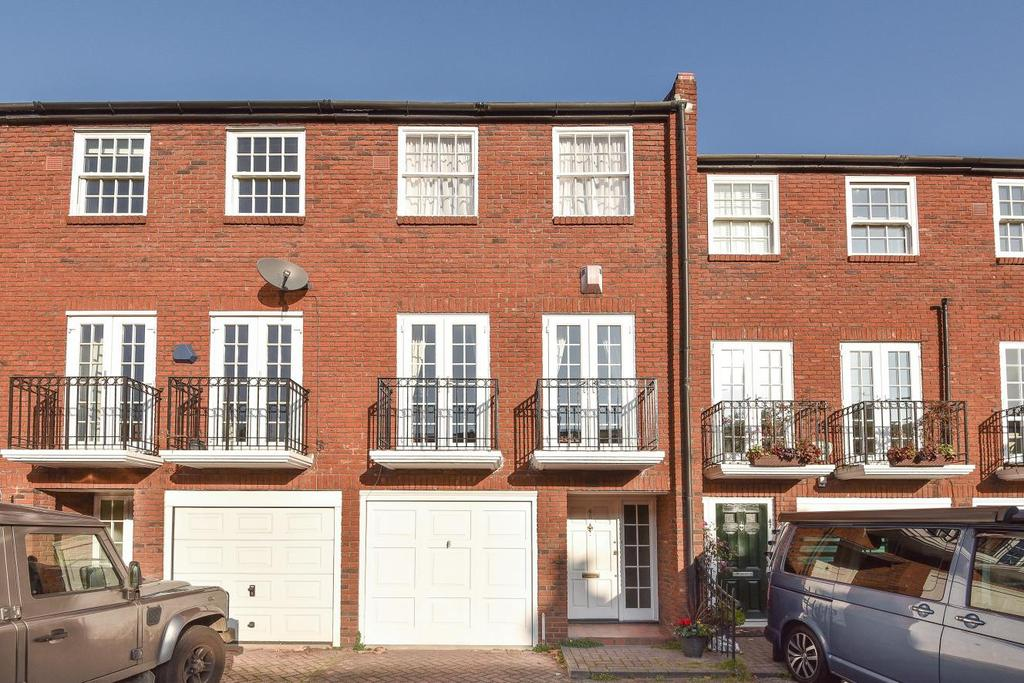 3 Bedrooms Terraced House for sale in Fawe Park Road, Putney