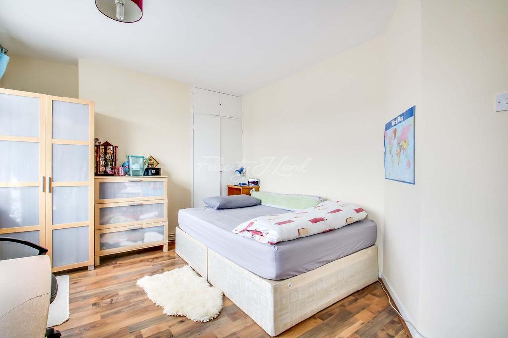 2 Bedrooms Flat for sale in Thornewill House, E1