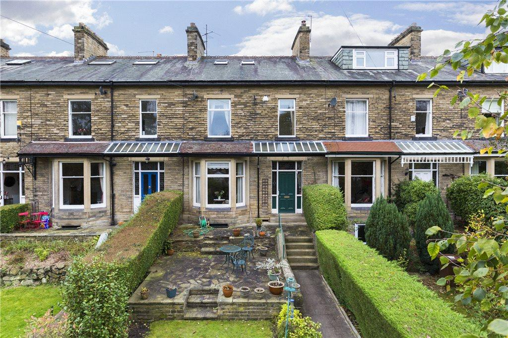 5 Bedrooms Unique Property for sale in Kirklands Avenue, Baildon, West Yorkshire