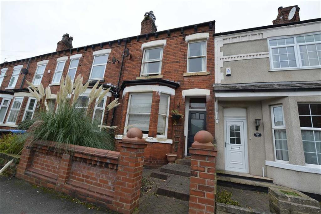 4 Bedrooms Terraced House for sale in Roseneath Road, URMSTON, Manchester