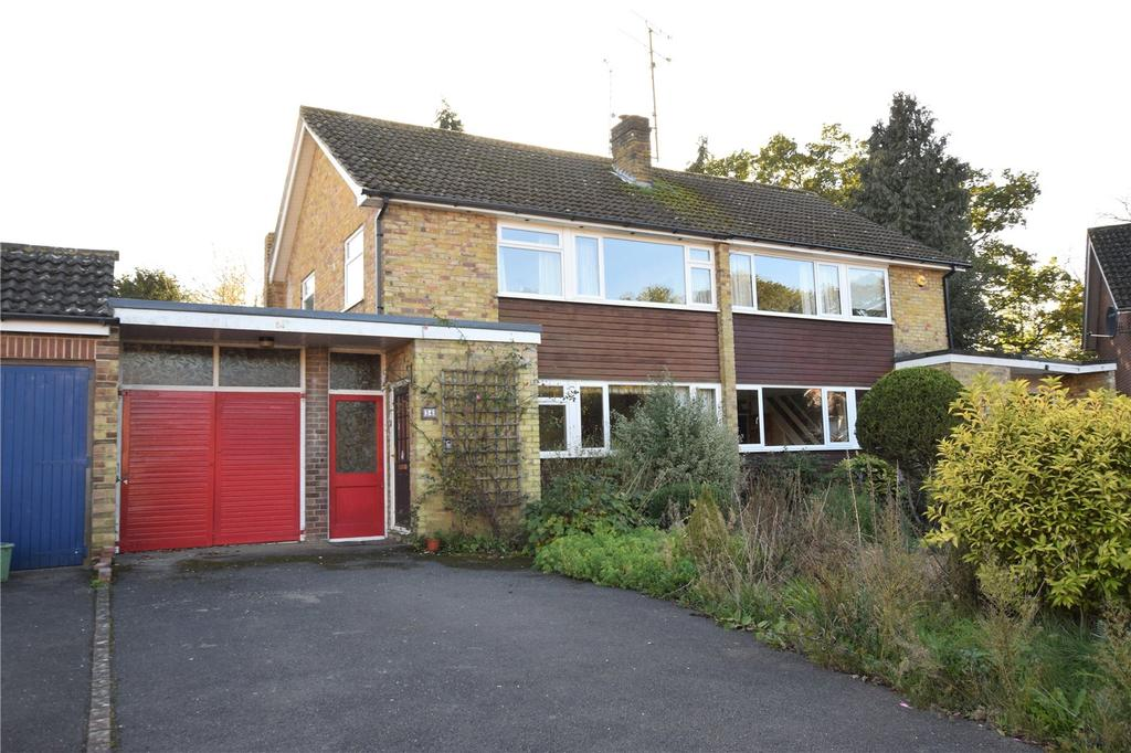 3 Bedrooms Semi Detached House for rent in The Crescent, Mortimer, RG7